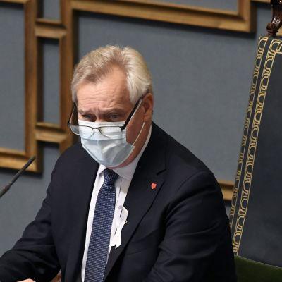 Varapuhemies Antti Rinne eduskunnan suullisella kyselytunnilla Helsingissä 19. marraskuuta 2020.