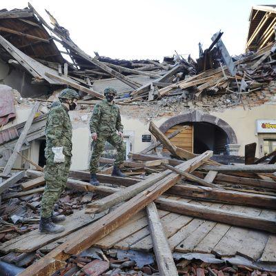 Maanjäristystuhoja Kroatiassa.