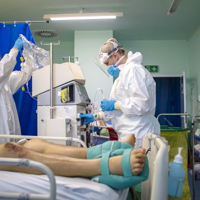 Koronaviruspotilasta hoidetaan tsekkiläisessä sairaalassa.