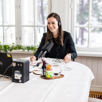 Pääministeri Sanna Marin Yleisradion pääministerin haastattelutunnilla Kesärannassa Helsingissä.