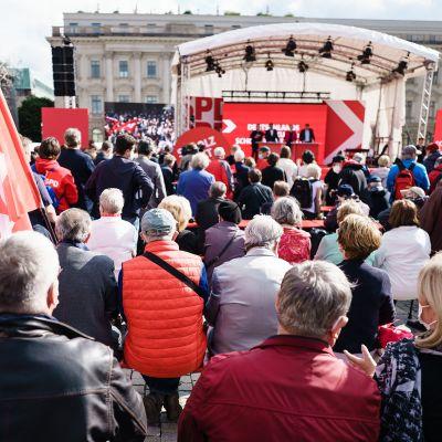 Sosiaalidemokraattien kampanjointitilaisuus.