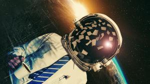 En man i vit skjorta och slips svävar i omloppsbana kring jorden med en astronauthjälm på huvudet.