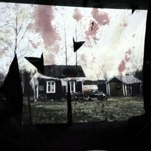 Oskryf visade en snygg och skrämmande videoinstallation.