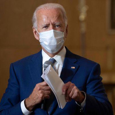 Joe Biden puhui paikallisessa kirkossa Kenoshassa torstaina.
