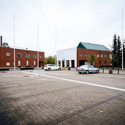 Vaasan yliopiston lähes autio parkkipaikka 6. lokakuuta 2020.