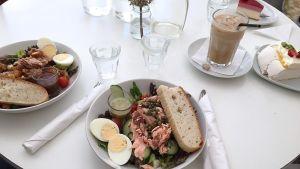 En lunchsallad på caféet Sweet Vasa.