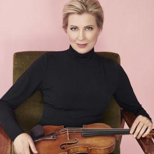 viulisti Elina Vähälä