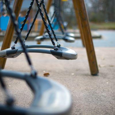 Keinuja oslolaisessa leikkipuistossa.