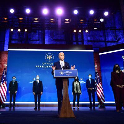 Joe Biden esitteli ministeriehdokkaitaan.
