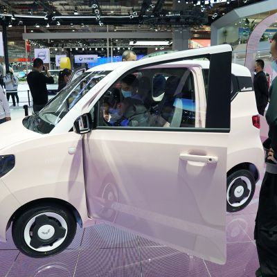 Wuling Hongguang Mini sähköauto Shanghain automessuilla.