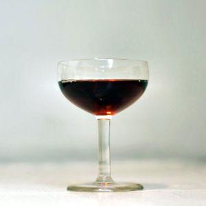 Ett glas med sherry.