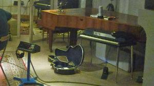 Flygeln som Benny Andersson spelade på i Atlantis studion.