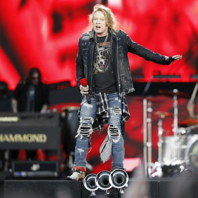 Guns N' Roses esiintyy Hämeenlinnassa.