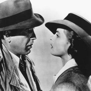 Humphrey Bogart ja Ingrid Bergman elokuvassa Casablanca (1942).