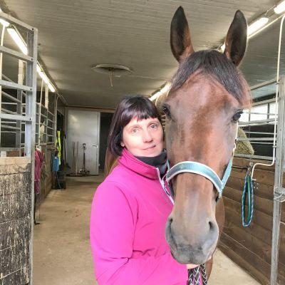 Anne Luttinen ja Ranch Kelly.