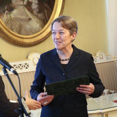 Janina Orlov får statens utländska översättarpris 2015.