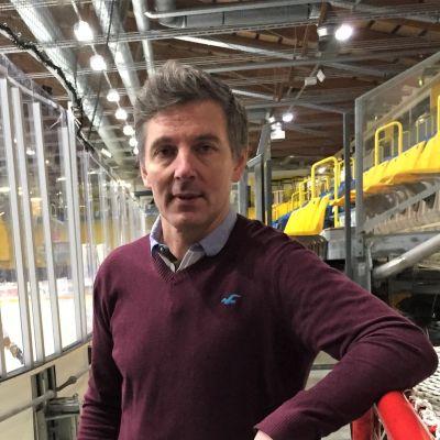 Lappeenrantalaisen jääkiekkojoukkue SaiPan päävalmentaja Tero Lehterä Kisapuiston jäähallissa.