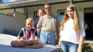 Ilmapatjatestaajat ryhmäkuvassa