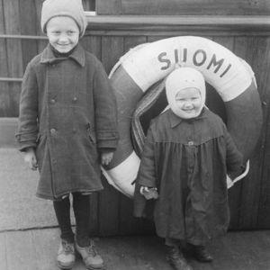 """Ingermanländska flyktingbarn på fartyget """"Suomi"""" 1943."""