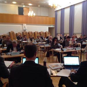 Raseborgs fullmäktigemöte i Seminarieskolan i Ekenäs