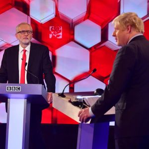 Jeremy Corbyn och Boris Johnson under en tv-debatt