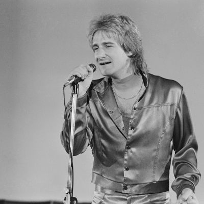 Riki Sorsa esiintymässä vuonna 1983.