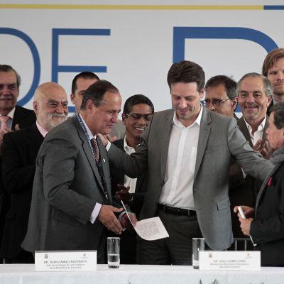 Kolumbian rauhanneuvottelujen aloitusseremonia 7.2.
