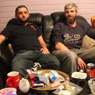Seval Bitic och Amer Palic ser in i kameran