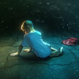 Kuvituksessa kiusattu lapsi istuu maassa.