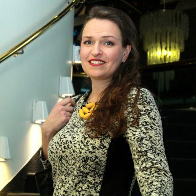 Anna-Kaisa Ikonen vaalivalvojaisissa Hotelli Ilveksessä 09.04.2017