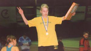 Ung Linda Sässltröm på prispallen