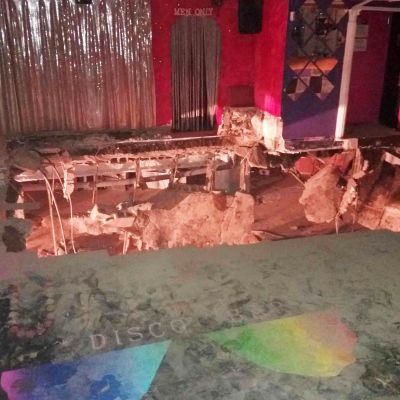 Teneriffan palolaitoksen jakama kuva yökerhon romahtaneesta lattiasta.