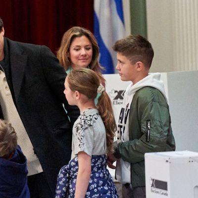 Pääministeri Justin Trudeau kävi antamassa äänensä perheensä kanssa Montrealissa.