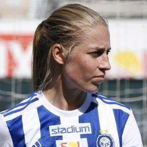 Linda Sällström i HJK:s tröja.