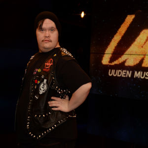Toni Välitalo - Pertti Kurikan Nimipäivät