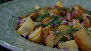 Potatissallad med tre sorters potatis.