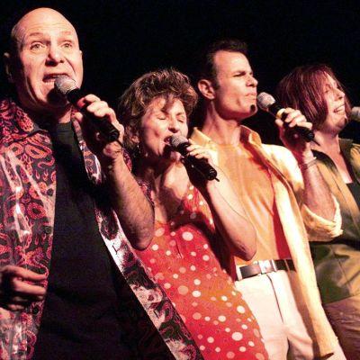 Manhattan Transfer på estraden i Montreux 2001. Fr.v.: Tim Hauser, Janis Siegel, Alan Paul och Cheryl Bentyne.