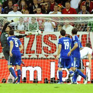 Sami Khedira gör 2-1 till Tyskland