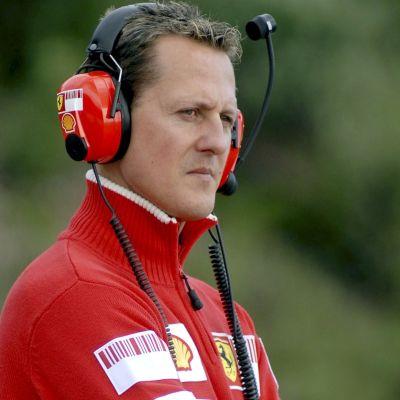 Michael Schumacher med hörlurarna på.
