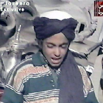 Tämä kuva, joka on otettu 7. marraskuuta 2001 väitetään esittävän Osama bin Ladenin nuorinta poikaa Hamzaa.