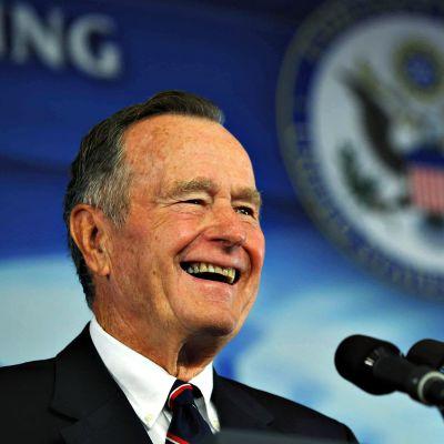 George H. W. Bush kuvattuna vuonna 2008.