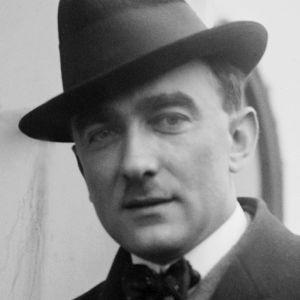 Säveltäjä Karol Szymanowski (1882-1937) pystykuva