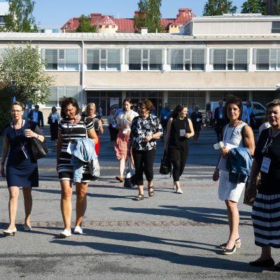 Partifolk på Svenska folkpartiets partidag 2019