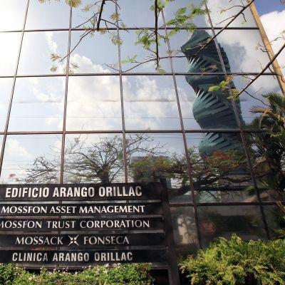 Lakiasiaintoimisto Mossack Fonsecan rakennus Panama Cityssä.