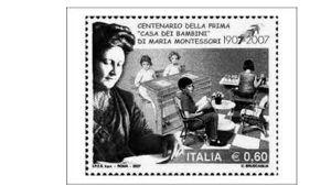 María Montessori perusti Roomaan Casa dei bambini -keskuksen, jossa huono-osaiset lapset saivat hoitoa ja opetusta.
