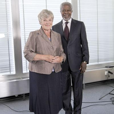 Elisabeth Rehn och Kofi Annan