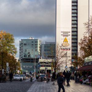 Näkymä tallinnan viru-kadulle lokakuussa 2021