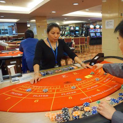 Macaon kasinokoulun baccarat-pelipöytä