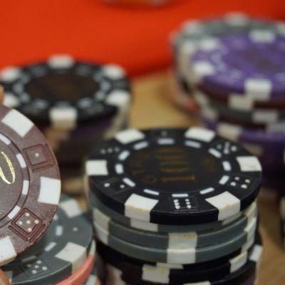 Macao kasinokoulu pelimerkki closeup