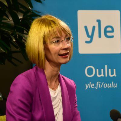 Kansanedustaja Tytti Tuppurainen kuntavaalien vaalivalvojaisissa.